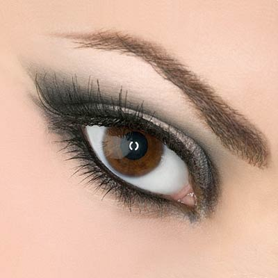 Tweet Grey Cat Eye Makeup