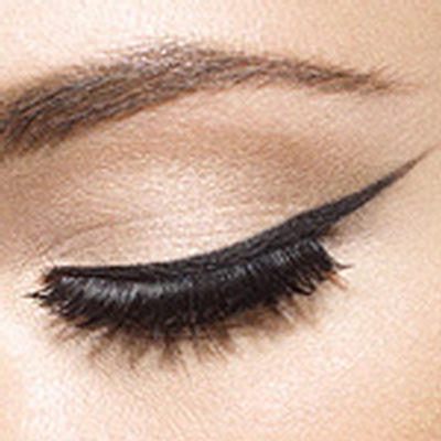 Bold and Winged Cat Eye Makeup